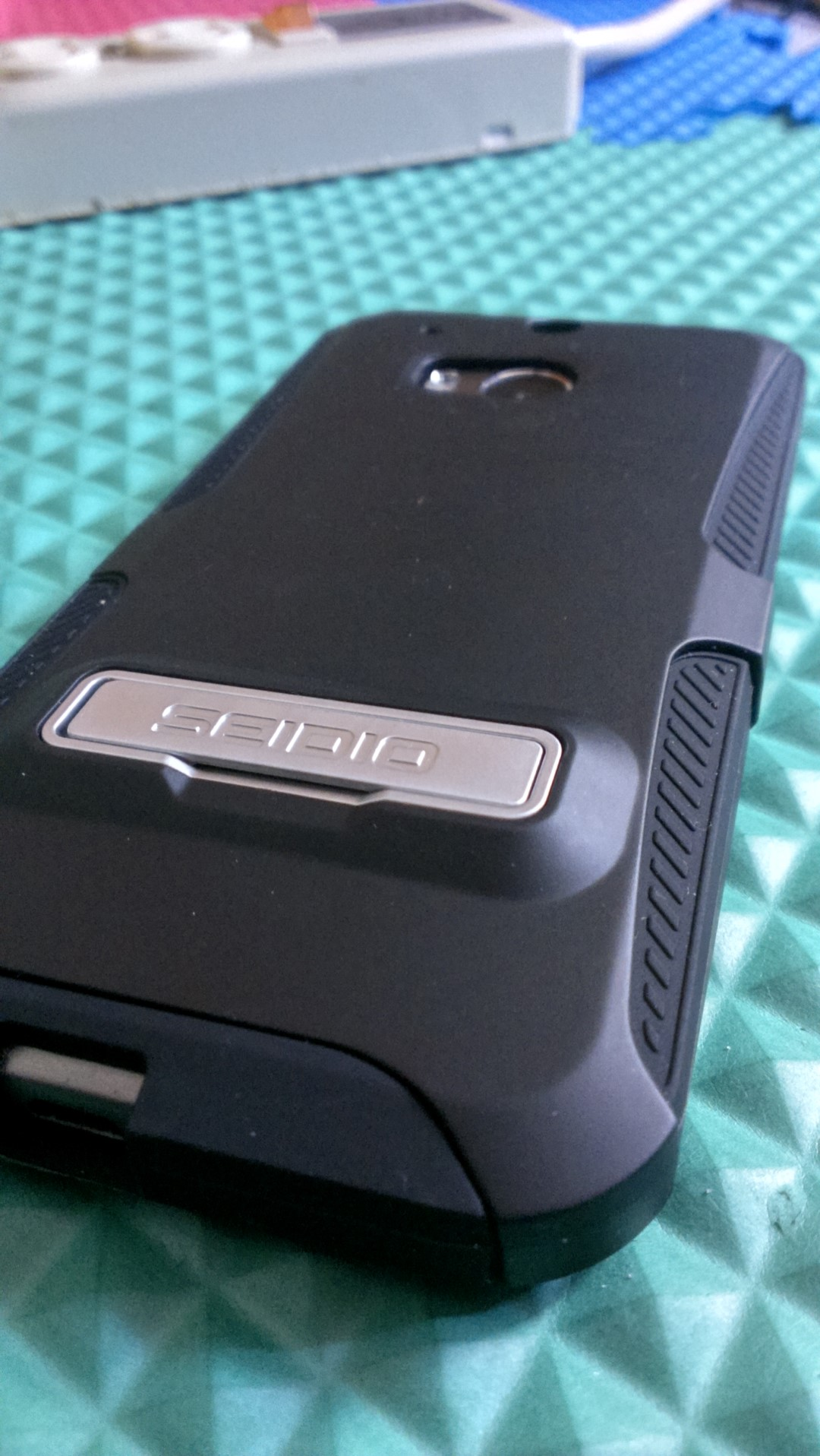 Seidio DILEX HTC One M8 case review